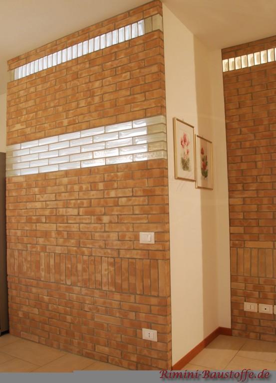 schöne Wandgestaltung mit Klinker und Glaselementen