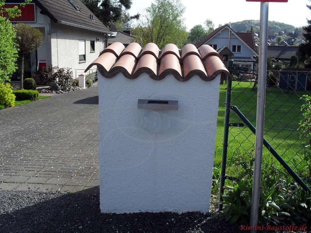 Halbschalen auf einem Pfeiler doppelt verlegt um eine größere Fläche abzudecken