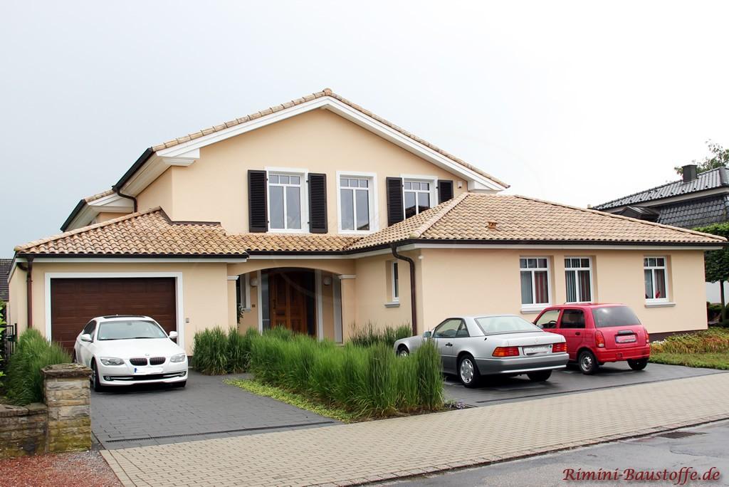 großes Einfamilienhaus in einem schönen mediterranen Stil