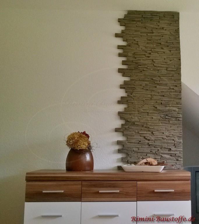 Wandverzierung im Wohnzimmer in moderner Natursteinoptik