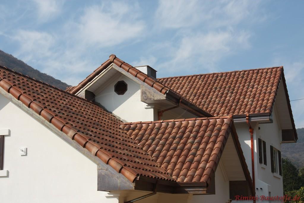 sehr schöner brauner Dachziegel mit Nuancen