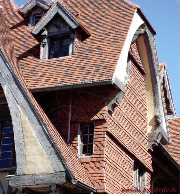Schindeln als Fassadenverkleidung, toller Zuschnitt