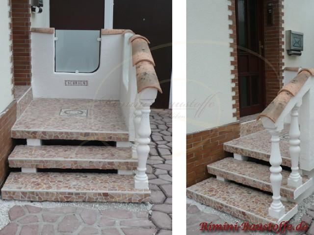 Treppengeländer bei einem Hauseingang. Die Balustraden wurde mit Halbschalen abgedeckt