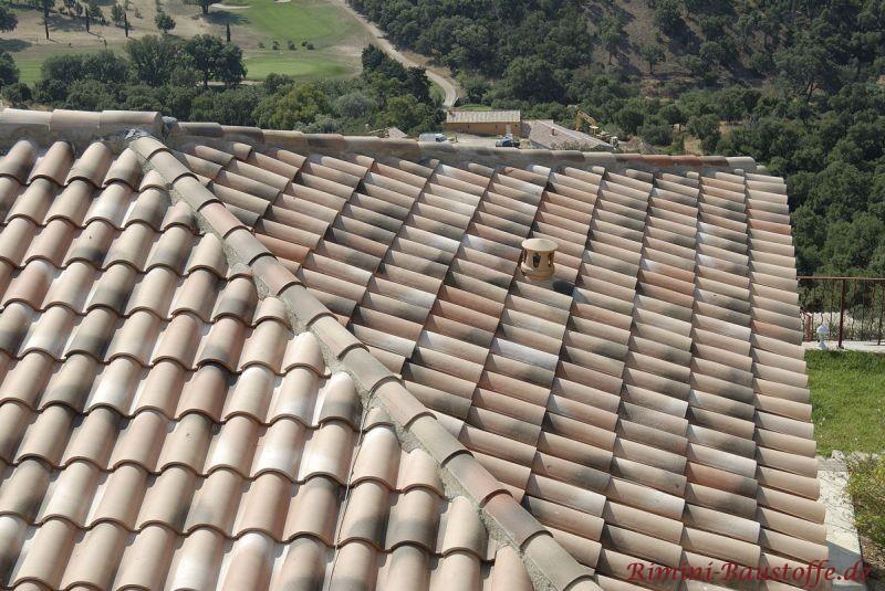 mediterranes Dach in Sandfarben mit schöner alter Oberfläche