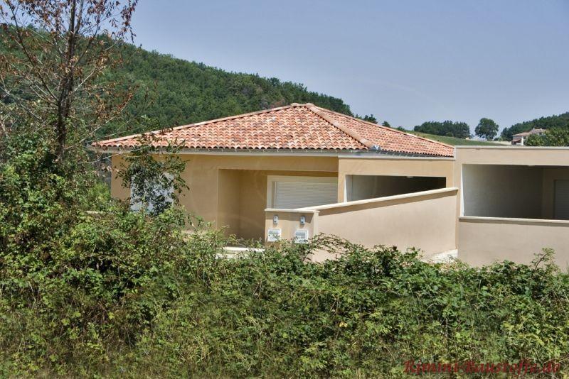Einfamilienhaus im südländischen Stil, sehr mediterran mit heller gelber Fassade