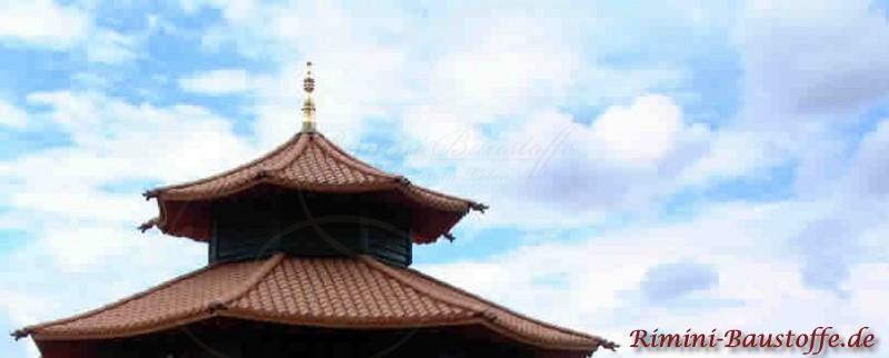 Chinesischer Pavillon mit franzoesischen Halbschalen gedeckt