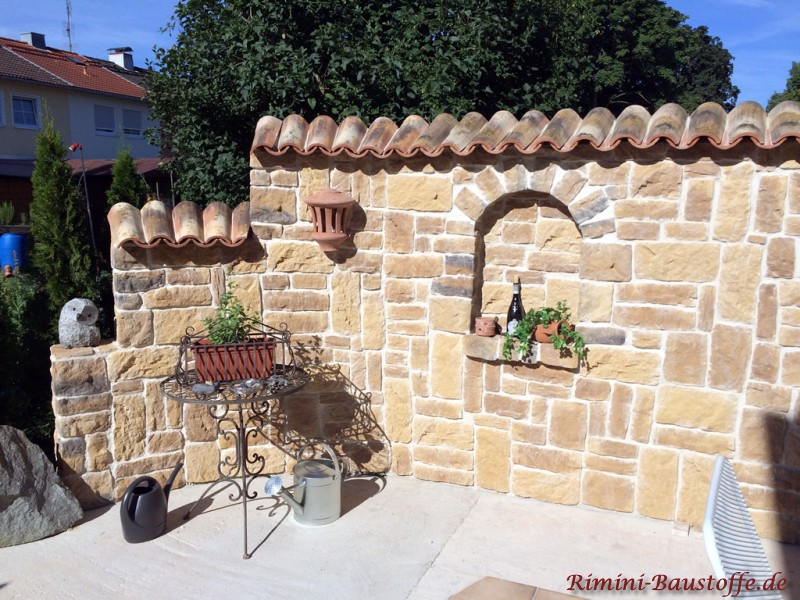 Mediterrane Gartenmauer mediterrane gartenmauer mit fenster