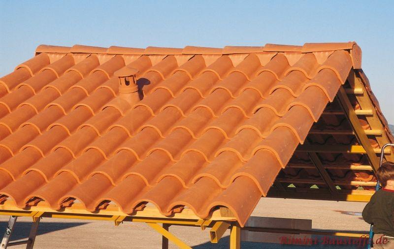 mediterrane Dachziegel mit ausgeprägtem Wulst auch als Doppelwulstziegel erhältlich