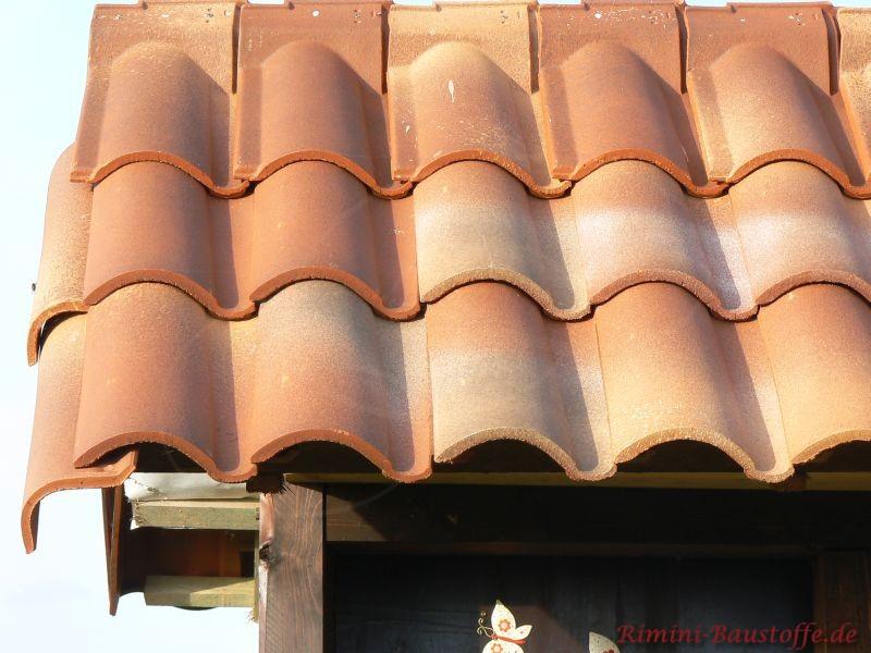 Pultanschlussziegel sind auch für ein mediterranes Dach erhältlich