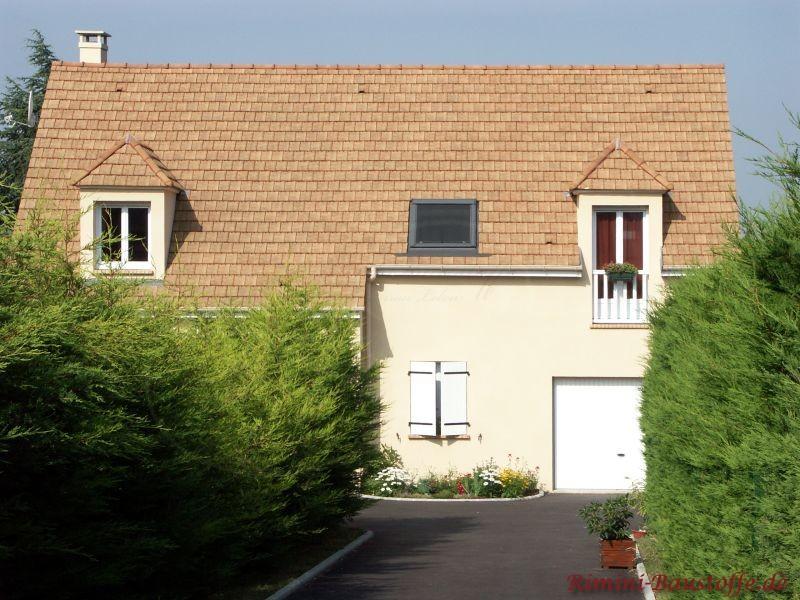 norddeutsches Einfamilienhaus saniert und mit einem schönen milden mediterranen Ziegel gedeckt