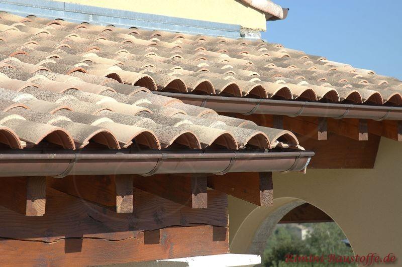 helle Dachziegel in Braun-Beige