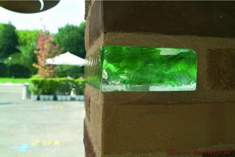 Glasbaustein als Hightlight in einer Trennwand