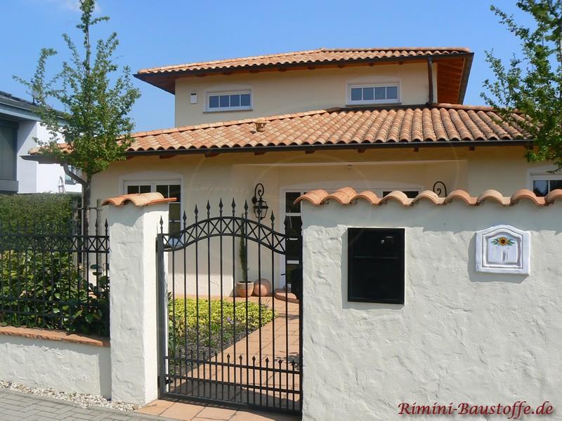 Toscanahaus mit schönem Eingang