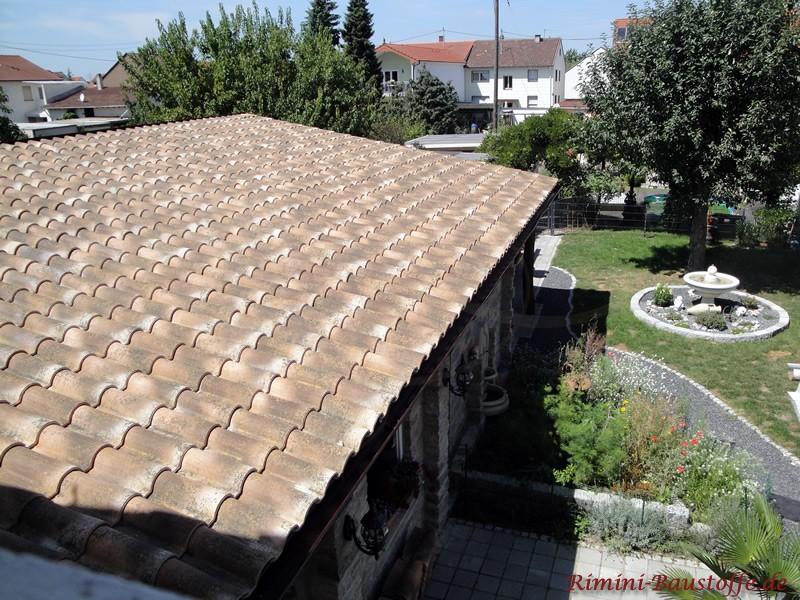 Altrustikales Dach