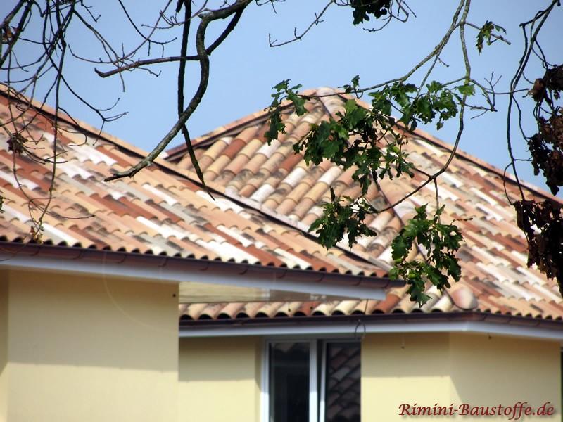 Einfamilienhaus im schönen milden südländischen Stil