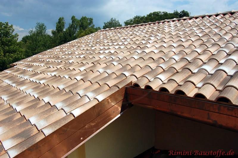 Wunderschönes Dach mit einem einmaligen Dacheindeckung