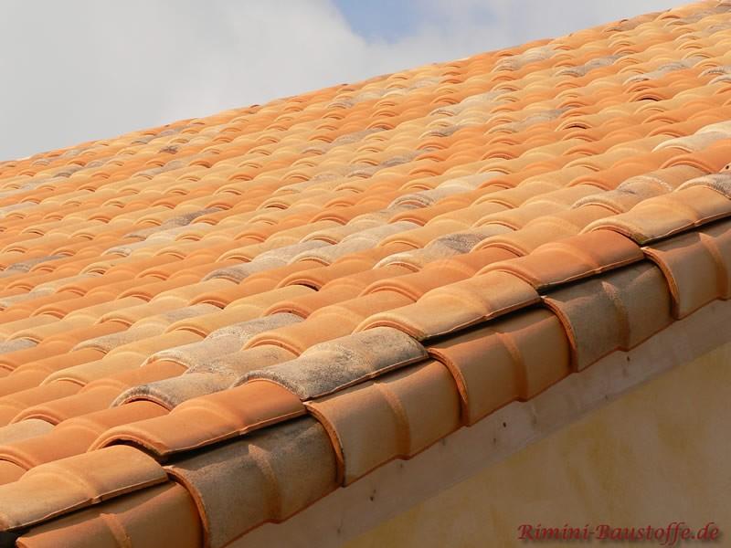 Ortgangausbildung bei mediteranen Dachziegeln