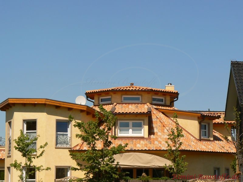 Verwinkeltes Traumhaus mit schönen Dachziegeln