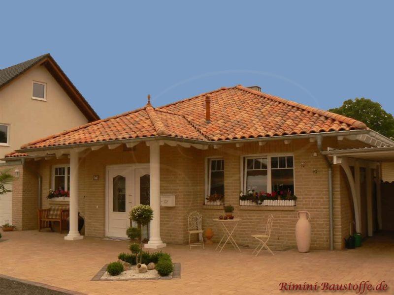 Kleiner Bungalow mit Klinkerfassade und schönen Dachziegeln