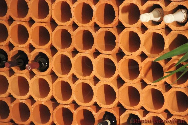 Mineralische Weinlagersteine im Systemregal