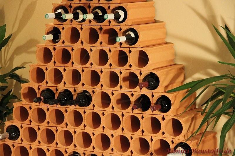 Pyramide aus Weinlagersteinen individuell gestaltbar