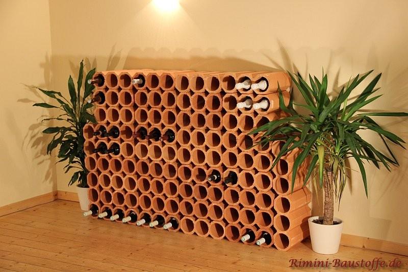Weinregal aus Ton erstellt aus mehreren Elementen, individuell gestaltbar