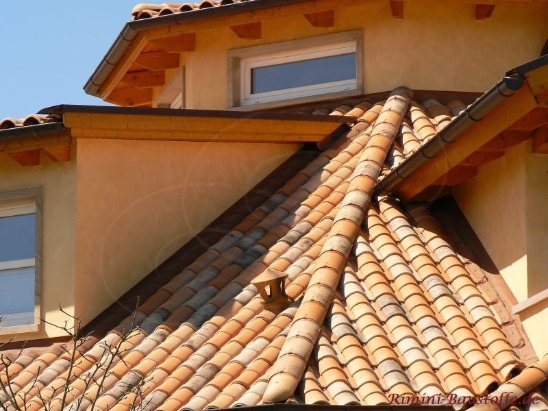 Sehr kleine Dachflächen mit südlichen Dachziegeln