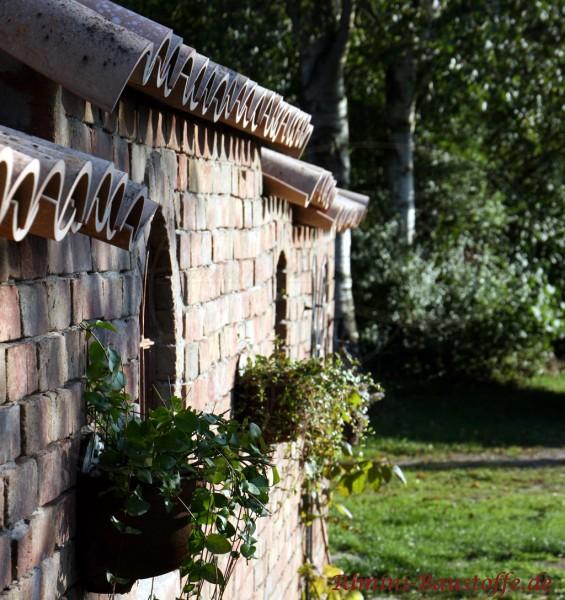 Gartenmauer mit Moench Nonne Halbschalen veredelt